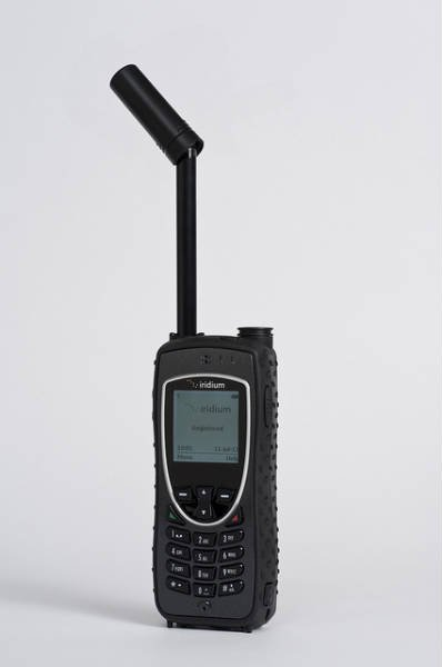 satellite phone for disaster communication, satellite phone, surviving with a satellite phone, communicate in a disaster with a satellite phone, satellite phones